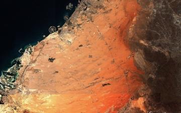 الصورة: صورة فضائية مذهلة لمجمع الطاقة الشمسية بدبي