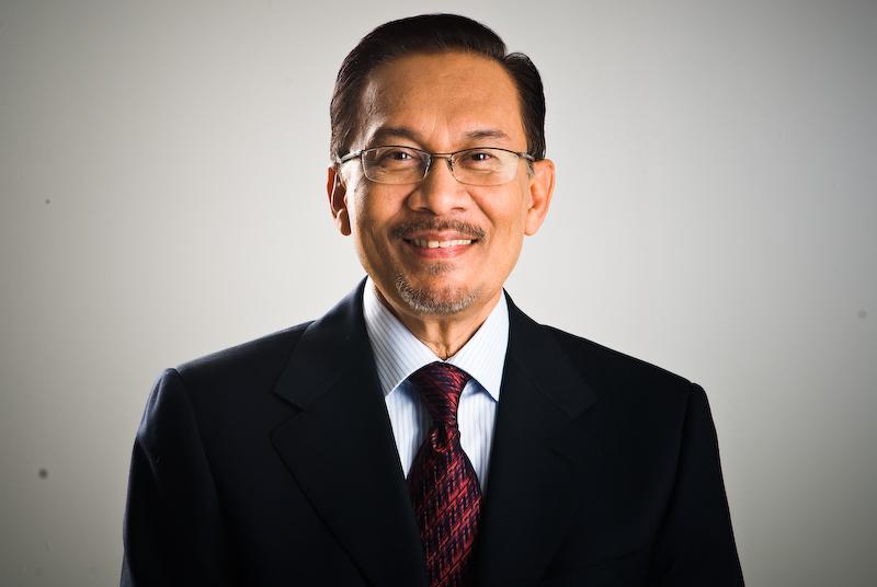 أنور إبراهيم يقترب من رئاسة الوزراء في ماليزيا