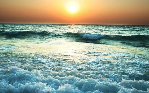 الصورة: مركز الأرصاد يحذر من اضطراب البحر