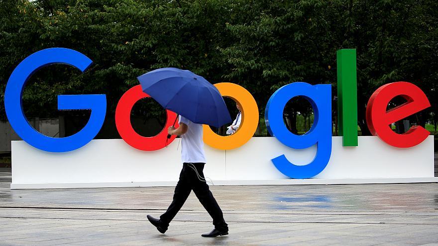 غوغل تعتزم فرض رسوم على مصنعي الهواتف الذكية في أوروبا