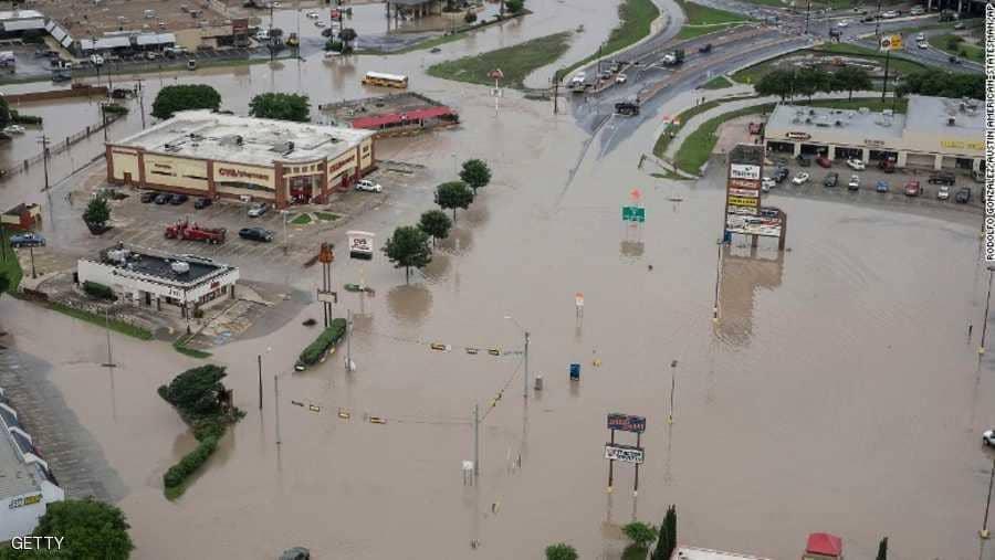 فيديو.. السيول تُغرق تكساس