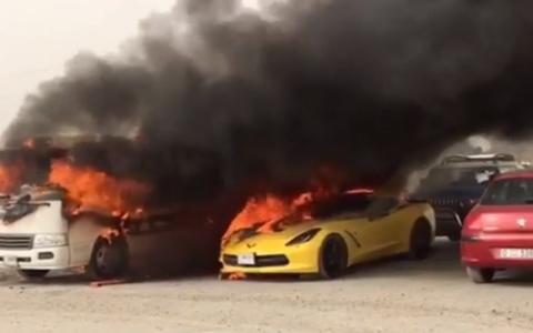 الصورة: محاكمة مفتعل حريق الحافلة و10 مركبات بـ«أوتليت مول»