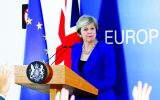 الصورة: ماي:  مستعدون لمد الفترة الانتقالية للخروج من الاتحاد الأوروبي