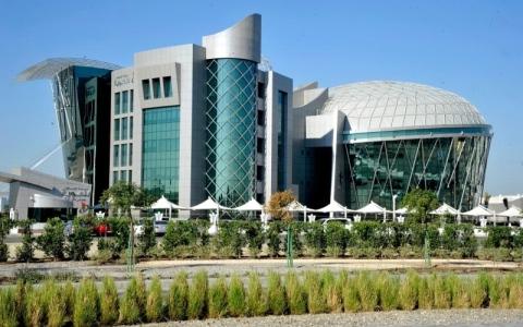 الصورة: الإمارات .. لا تمديد لزيارة من تجاوز  30 يوماً من انتهاء تأشيرته
