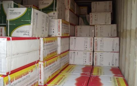 """الصورة: 3 ملايين قرص ترامادول في شحنة """"أدوية جنسية"""""""