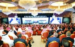 الصورة: السعودية توقع صفقات بـ50 مليار دولار.. وتطمئن سوق النفط بشـأن المعروض: «سنلبي الطلب»