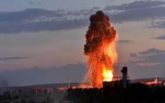 الصورة: 32 قتيلاً في هجمات إرهابية على فندق بمقديشو