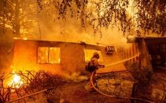 الصورة: وفاة 9  أشخاص في حرائق الغابات الأكثر تدميراً في تاريخ كاليفورنيا