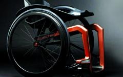الصورة: كرسيّ متحرك بوزن 1.5 كلغ