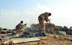 الصورة: قوات الشرعية تحاصر ميناء الحديدة