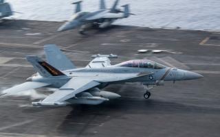 """الصورة: حاملتا طائرات أميركيتان تنفذان مناورات """"معقدة"""" في شرق آسيا"""
