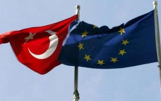 الصورة: توصية بتعليق انضمام تركيا  إلى الاتحاد الأوروبي