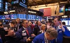 الصورة: «ناسداك» يهبط بفعل خسائر لأسهم التكنولوجيا