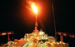 الصورة: النفط يصعد على وقع توقعات بخفض إمدادات «أوبك»