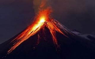الصورة: إجلاء الآلاف مع ثورة بركان قريب من عاصمة غواتيمالا
