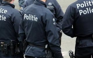 الصورة: طعن شرطي في هجوم بسكين وسط بروكسل