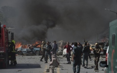 الصورة: مقتل وإصابة 126 شخصاً في تفجير انتحاري بأفغانستان