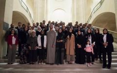الصورة: محمد بن زايد يلتقي طلبة الإمارات الدارسين في فرنسا