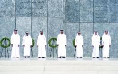 الصورة: محمد بن راشد ومحمد بن زايد: الشهداء خيرة شباب الوطن والإنجازات تتصاغر أمام تضحياتهم