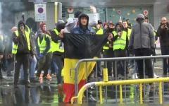 """الصورة: بالفيديو.. """"السترات الصفراء"""" تنتقل عنيفةً إلى بلجيكا وتطالب باستقالة الحكومة"""