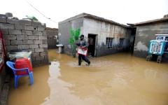 الصورة: المياه تدمر مئات الخيم بالموصل ونينوى تعلن «الطوارئ»