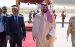 الصورة: محمد بن سلمان يستأنف جولته العربية بموريتانيا والجزائر