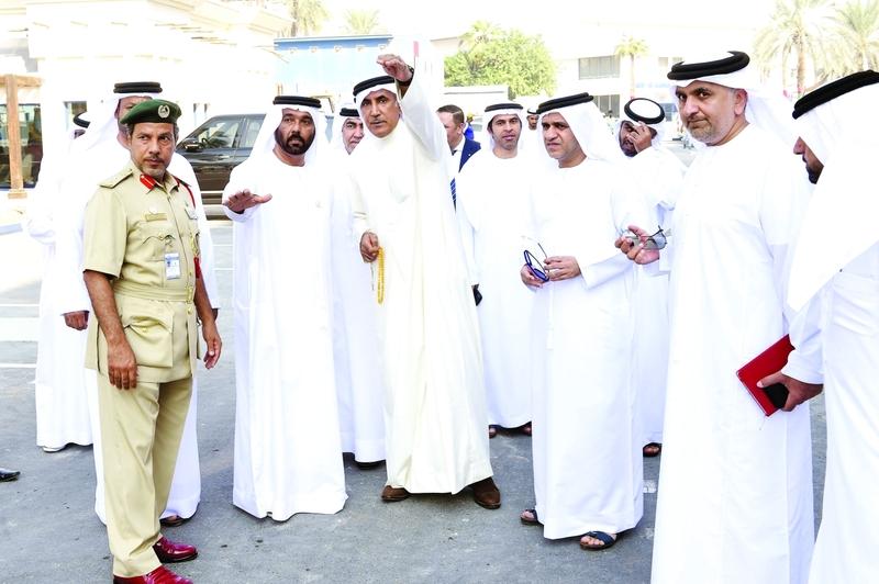محمد الرميثي يتفقد استاد آل مكتوم بحضور عارف العواني وعدد من المسؤولين  |  البيان