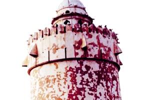 الصورة: الصورة: قصر الحصن مهد الدولة