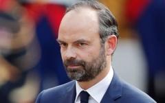 الصورة: الحكومة الفرنسية تتخلى عن ضريبة الوقود