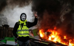 """الصورة: """"الوحش الخارج عن السيطرة"""" يزرع الرعب في فرنسا"""