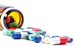 الصورة: الصورة: الإفراط في تناول المضادات الحيوية تهديد للبشرية