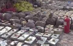 الصورة: ألغام الحوثيين في أكياس السكر والأرز وطفايات الحريق