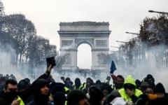 الصورة: بالفيديو.. حصيلة احتجاجات السترات الصفراء في فرنسا أمس