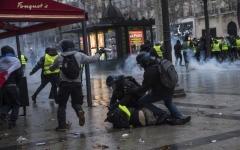 الصورة: الحكومة الفرنسية: حان وقت الحوار.. وخطاب منتظر لماكرون