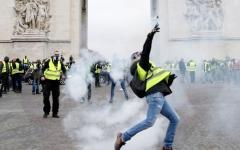 الصورة: وزير المالية الفرنسي: على ماكرون توحيد فرنسا لدرء الأضرار الاقتصادية