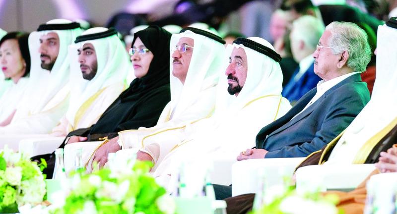 الصورة : Ⅶ سلطان القاسمي خلال الجلسة الافتتاحية لـ«منتدى الشارقة للاستثمار الأجنبي المباشر» بحضور سلطان المنصوري وكبار المسؤولين  |  من المصدر