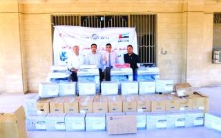 الصورة: «هلال» الإمارات تدعم جامعة عدن بمواد ومعدات تعليمية
