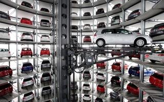 الصورة: 38 %  يفضلون  السيارات البيضاء