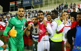 الصورة: الصورة: علي آل خليفة:  الإمارات فأل خير على الأحمر