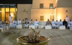 الصورة: محمد بن زايد يلتقي أهالي مدينة العين في قصر المويجعي التاريخي