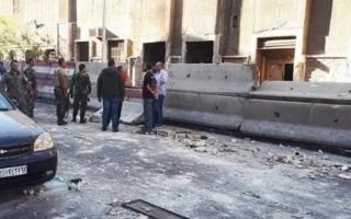 الصورة: قتلى وجرحى في انفجار بدمشق