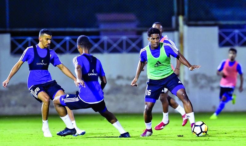 الاهتمام بمنتخبات المراحل السنية والأكاديميات يعيد بريق كرة الإمارات  |  البيان