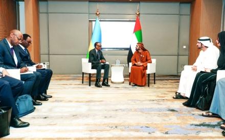 الصورة: الصورة: محمد بن راشد: الإمارات ستمضي قدماً على نهج زايـد الإنسـان والمـؤسس لدولتنـا الحديثـة