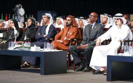 الصورة: الصورة: سيف بن زايد: بقيادة خليفة.. الإمارات مـاضية في مسيرتها الخيّرة بثقة واقتدار
