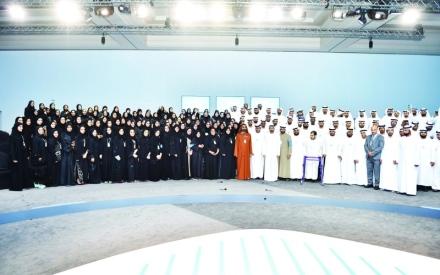 الصورة: الصورة: محمد بن راشد يبارك جهود المتطوعين