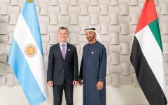 الصورة: محمد بن زايد يستقبل الرئيس الأرجنتيني