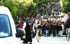 الصورة: تظاهرات في الجزائر احتجاجاً على ترشّح بوتفليقة