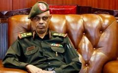 الصورة: الرئيس السوداني يعين وزير الدفاع نائباً له