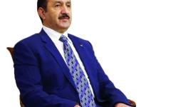 الصورة: السفير الجزائري لدى الإمارات: بوتفليقة التزم بتسليم المشعل للأجيال القادمة