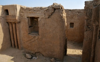 الصورة: الصورة: الوجود النسطوري في منطقة الخليج.. نصوص وشواهد آثارية 3-2
